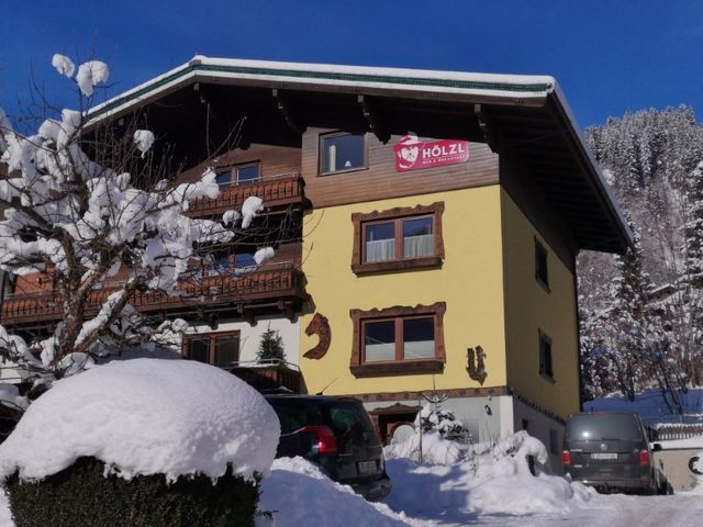 Hölzl Bed & Breakfast in Neukirchen am Großvenediger im Winter
